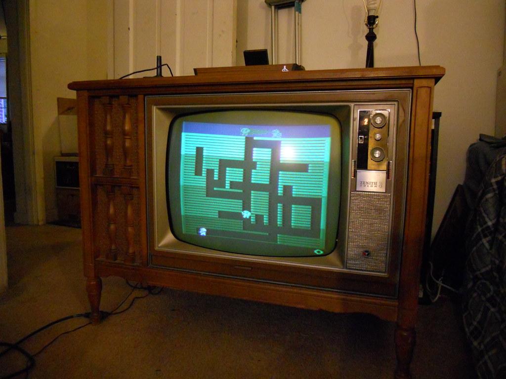 Atari 2600 Hooked Up To A Zenith 20x1c38 Archive Videokarmaorg