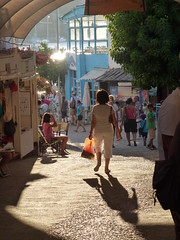 P1100688 (Tulay Emekli) Tags: light shadow summer people turkey aquarium shadows bodrum gmlk akvaryum souvenirshops elsanatlarars