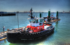 Tug (showbizinbc) Tags: ocean red sea vancouver port harbor dock harbour pacificocean burrardinlet tugboat tug northvancouver westcoast cates
