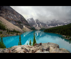Moraine Lake (T.P Photographie) Tags: blue lake canada mountains clouds nikon jasper pics 10 rocky lac sigma columbia bleu alberta banff british nuages 1020 hdr moraine rocheuses montagnes britannique canadienne colombie d7000