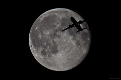 Waning Gibbous Moon (AdrianJScott) Tags: moon gibbous airtraffic waning occultation