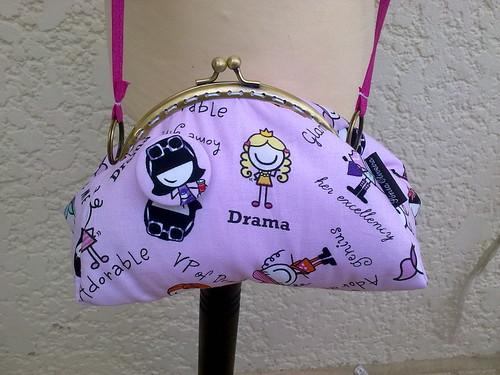 Bolsa á tira colo by ♥Linhas Arrojadas Atelier de costura♥Sonyaxana