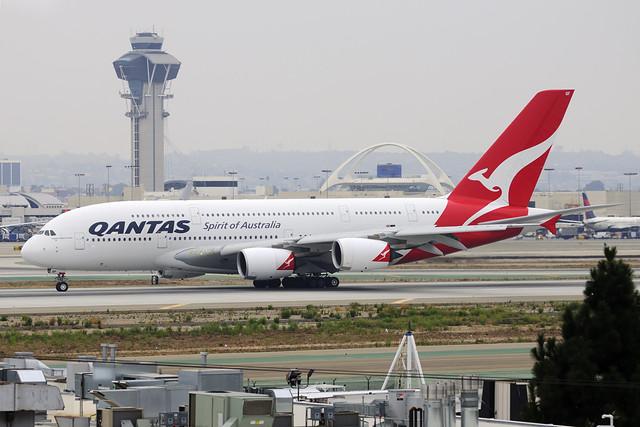 Qantas Airbus A380-842 (VH-OQF)