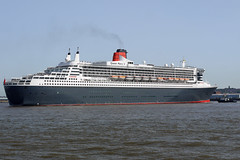Queen Mary 2 (Andy Tee) Tags: ocean cruise 2 liverpool river ship mary queen birkenhead maritime cunard mersey wirral liner seacombe