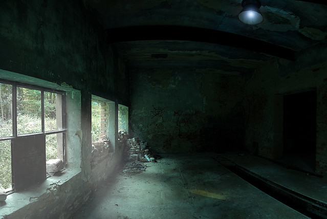 Špania Dolina, abandoned shed