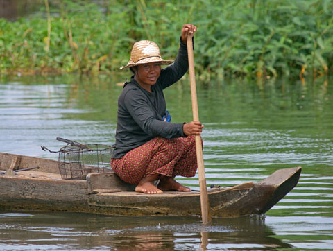 Small-scale fishery in Cambodia, photo by Jamie Oliver, 2008