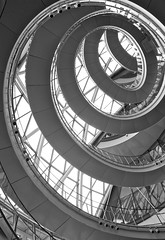 Journey to the centre of the earth (The Green Album) Tags: apple architecture cityhall curves staircase winding curl peel