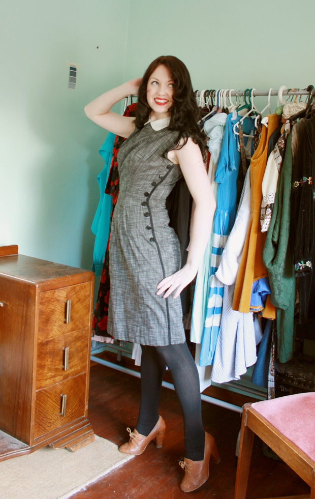 button dress vintage