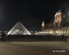 Paris - Louvre nocturno (Polycarpio) Tags: poly gallardo polycarpio fotosdeparis jmgallardo fotosdefrancia juanmanuelgallardo polygallardo juanmgallardo