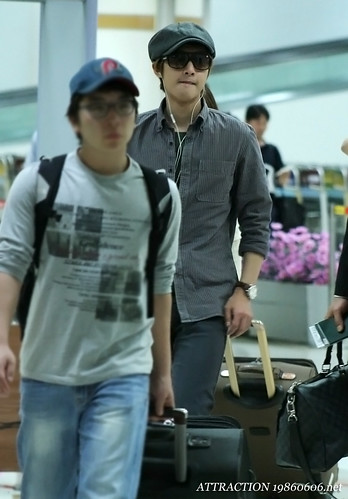 Kim Hyun Joong at Gimpo Airport [110920]