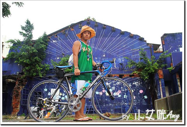 單車環島第四天 (18) 台南市海安路藝術街藍晒圖