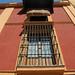 Siviglia: palazzo giallo-rosso