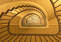 Upstrairs or downstairs   explorer 24th sept # 140 (Sunflower (Ans)) Tags: holland monument amsterdam architecture geotagged stair architect bma wibautstraat cochlea 2011 rijksmonument stalinistbuilding stadsarchiefamsterdam gijsbertfriedhoff kohnstammhuis omdamsterdam