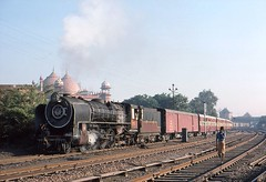 YP2787 Agra (Bingley Hall) Tags: old india train transport railway agra steam western locomotive 2787 yp 462 metregauge