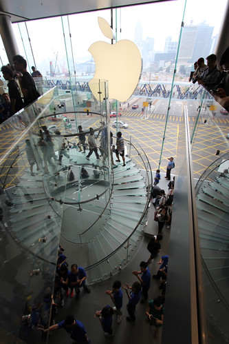 hong_kong_glass_staircase