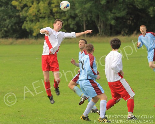 Middlebeck FC v Lowe and Simpson Staircases FC - 25/09/2011 Photos