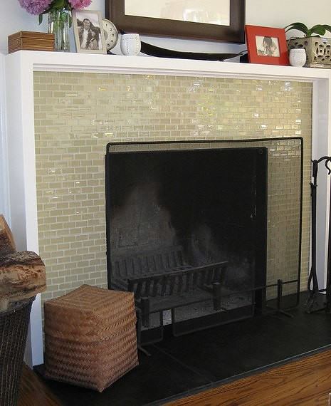 Glass subway fireplace