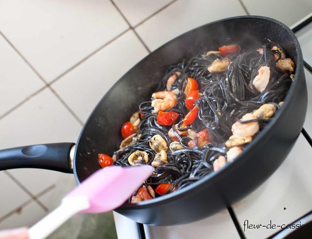 паста с каракатицей и морепродуктами 6