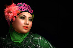 untitled (esmar.abdulhamid) Tags: eyes hijab muslimah kaftan melayu beautifull tudung mesmerizing gadis kerudung