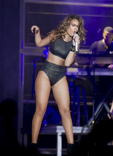 sexy ass rihanna in brazil grabbing up her booty