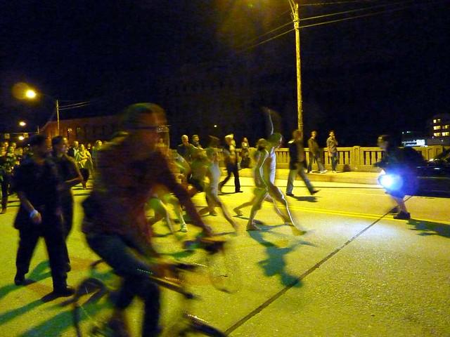 P1000684-2011-09-30-Flux-Projects-gloATL-Troop-on Peters-Street