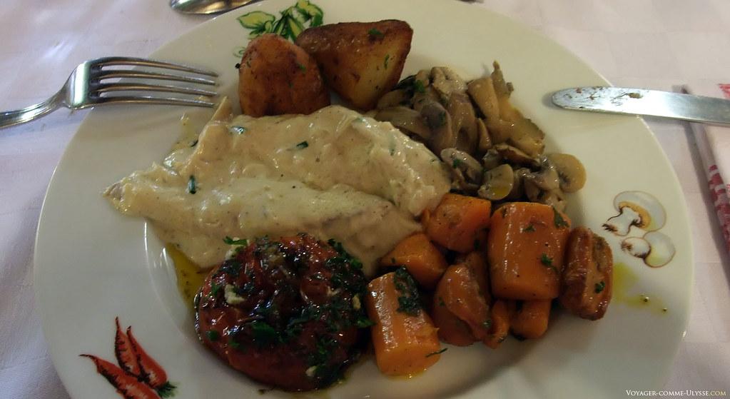 Le poisson, et particulièrement le brochet du restaurant est réputé dans toute la France.