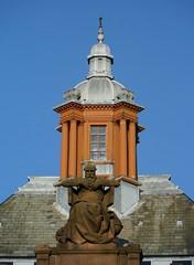 Statue of 'Science' (Wider World) Tags: sculpture statue urn museum scotland glasgow science cupola column westend kelvingrove doric