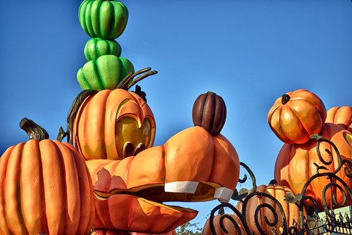 Goofy Pumpkin by hbmike2000