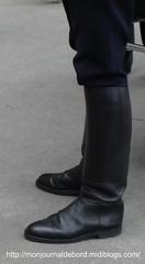 Bottes de motard Police Nationale 02 (tripuniforme) Tags: boots police cop bottes motard cuero cuir stiefel stivali motorcop leatherboots tallboots policenationale tallleatherboots menboots bottesdecuir wornboots motardpolice botasaltas bikermen copintoboots frenchmotorcop motardpolicenationale motardspolicenationale frenchpolicemotorcop frenchpoliceboots botteshautes frenchepolice bottesdemotard bottesmotard botasdepoli bikermenboots botasdepolicia bottesmotardpolicenationale