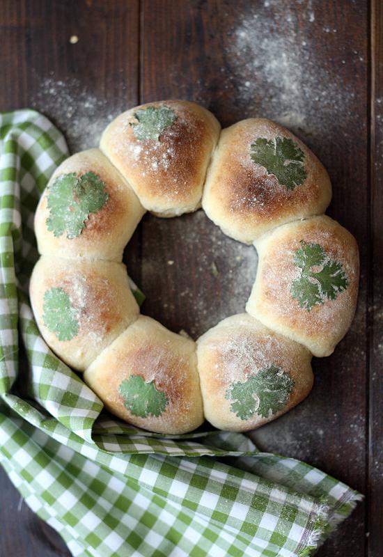 Pan de leche decorado