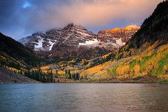 Maroon Bells    _27W1247a (DennisKirkland) Tags: morning fall nature sunrise landscape outdoors colorado windy rockymountains aspen stormclouds maroonbells