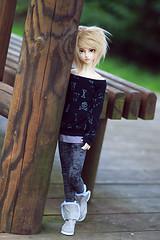 Meiji Park (Army-of-Me) Tags: park sky japan 1 doll hokkaido sd type bjd dollfie abjd bg meiji boygirl nemuro