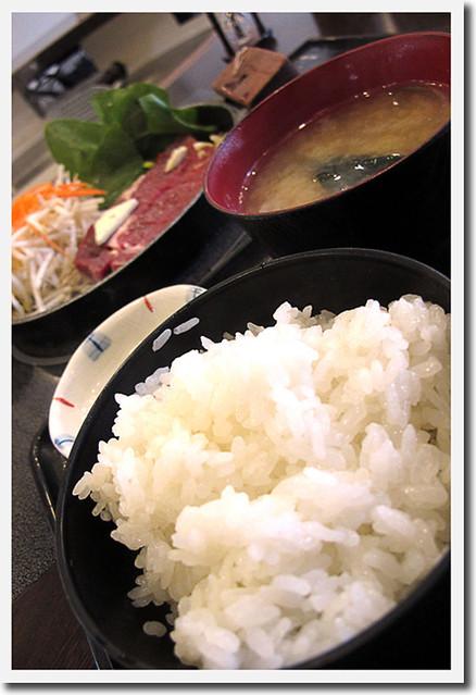110417_162046_横浜_肉屋の正直な食堂伊勢佐木町店