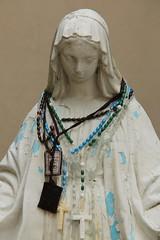 Virgin Mary (Itinerant Wanderer) Tags: statue catholic pennsylvania virginmary stmary berkscounty barto nationalcentreforpadrepio
