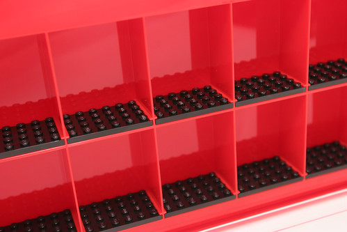 LEGO Minifigure Display Case - 9