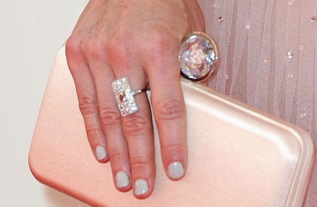 5 carat black ring