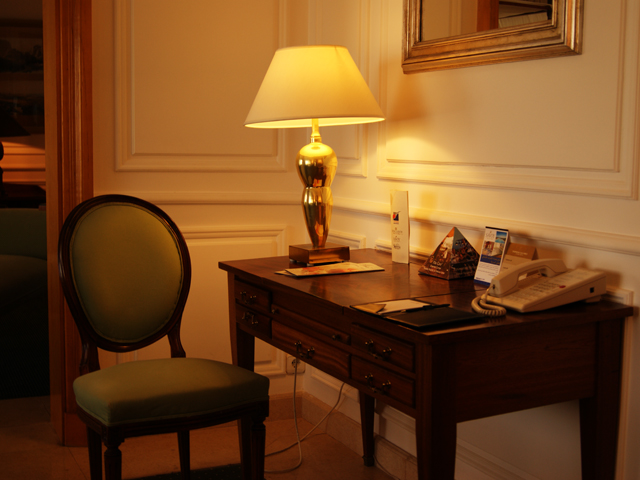 Presidential Suite Desk