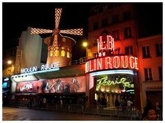 Moulin Rouge, Paris (fotosiris) Tags: paris france moulin rouge nikon d40 sgs2 samsunggalaxys2
