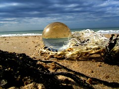 Wissant-crystal ball on the beach (april-mo) Tags: beach ball sphere crystalball wissant pasdecalais spheric