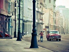 Havana Hopper II (una cierta mirada) Tags: street urban cars car interestingness havana cuba 45 hopper lahabana on melecn eduardhopper 20110923 45ininterestingnesson20110923