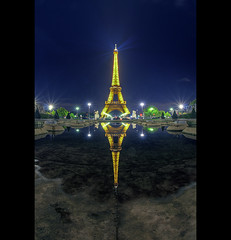Quand a rigole... (marc do) Tags: city urban paris france reflection tower monument metal architecture reflections md frankreich europa europe do torre tour toren eiffeltower frana landmark eiffel fisheye reflet toureiffel torreeiffel reflejo frankrijk turm eiffelturm riflessi francia reflexo spiegelung reflexos reflets parijs reflejos  parigi frankrike riflesso spiegelungen     francja    marcdo afspiegeling marcde afspiegelingen