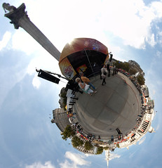 Trafalgar Square stereographic (Ian Tindale) Tags: panorama london d50 nikond50 fisheye gb handheld manualfocus stereographic hugin manualexposure philopod samyang8mm abitofstring 8shotpitchvariation 1level1down1level1up