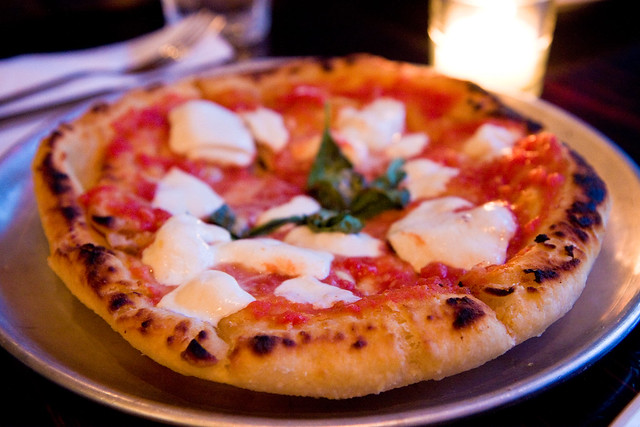 Montanara (fried pizza with mozzarella, basil, and tomatoes), Forcella
