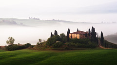 the mansion (Dennis_F) Tags: morning italien italy mist green nature beautiful fog zeiss sunrise landscape dawn spring italia mood nebel view sony country hill landwirtschaft natur hills silence tuscany cypress grn agriculture fullframe dslr toscana valdorcia landschaft hilly cypresses stimmung stimmungsvoll frhling 135mm morgens toskana sicht hgel ruhe zypressen 13518 a850 sonyalpha sonydslr vollformat cz135 zeiss135   dslra850 sonya850 sonyalpha850 alpha850 tuscien sony135 sonycz135