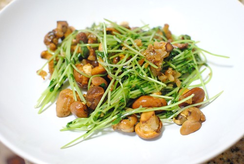 chanterelles pea shoots
