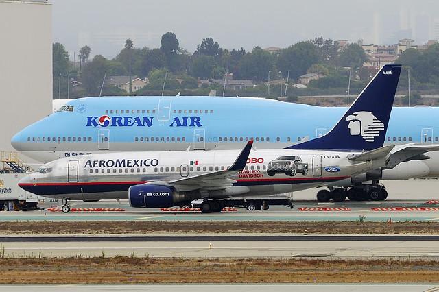 Aeromexico 737-752/W (XA-AAM) and Korean Air (KAL) Boeing 747-4B5 (HL7487)
