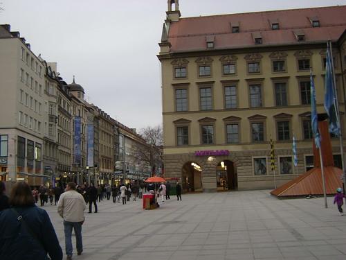 Hettlage Piazza & Neuhauser Strasse, Munich 2011, Alemania/München' 11, Germany - www.meEncantaViajar.com by javierdoren