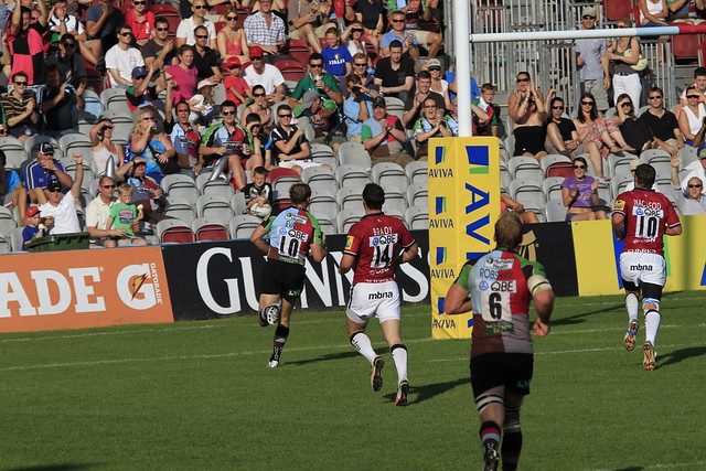 Nick Evans strolls over for another try