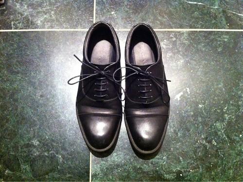 リーガルのストレートチップな黒革靴(ゴアテックス)