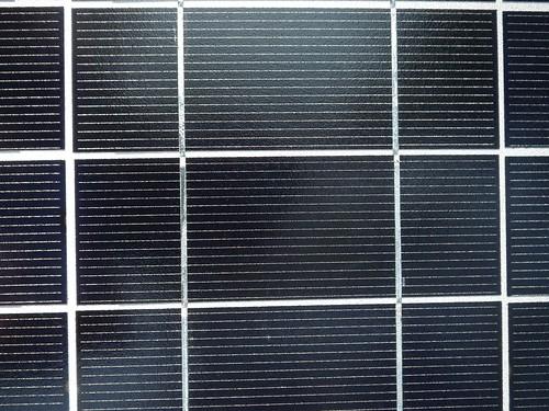 Ogniwo fotowoltaiczne w baterii słonecznej.